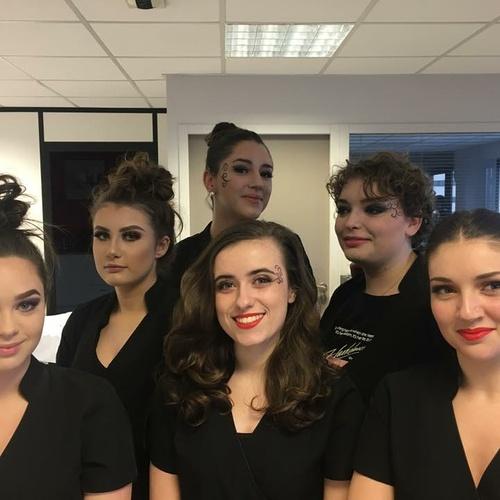 Séance maquillage avec motifs - école d'esthétique - Plérin